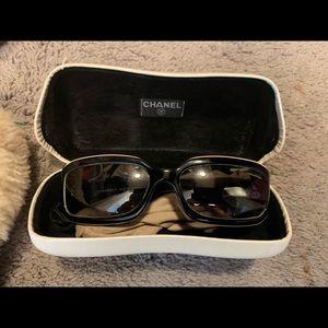 Chanel sunglasses - Authentic